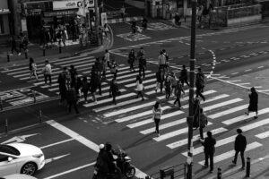 crossing-traffic-light