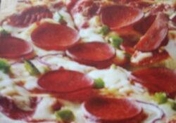 vegan-pepperoni-pizza