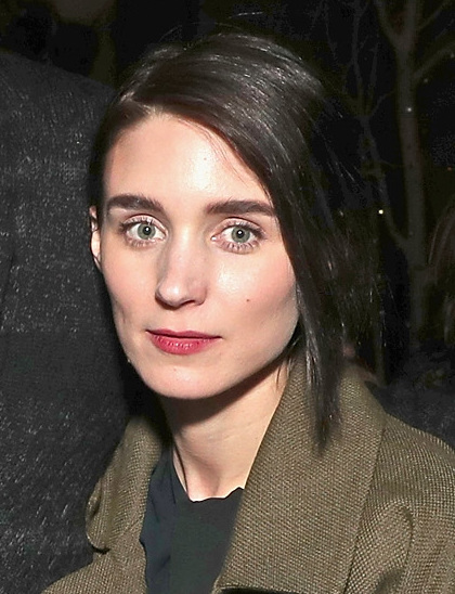 Rooney_Mara_at_The_Discovery_premiere_during_day_2_of_the_2017_Sundance_Film_Festival_at_Eccles_Center_Theatre_on_January_20,_2017_in_Park_City,_Utah_(32088061480)_(cropped)